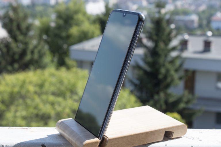 Xiaomi Mi 9 SE okostelefon teszt 2