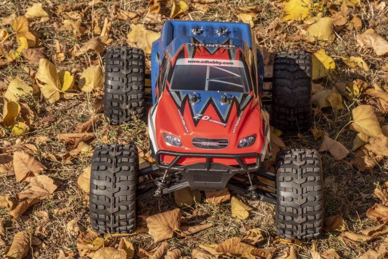 ZD Racing Thunder ZMT-10 távirányítós autó teszt 2