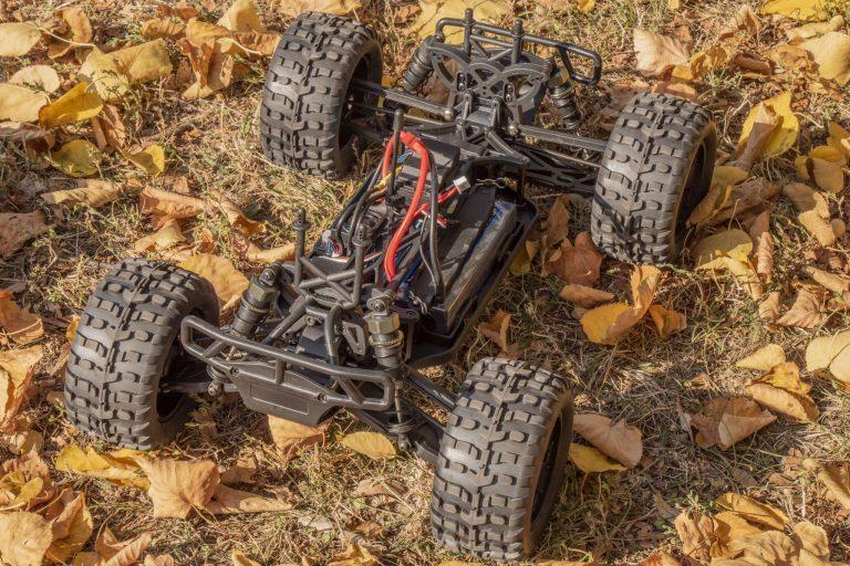 ZD Racing Thunder ZMT-10 távirányítós autó teszt 3
