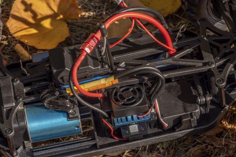 ZD Racing Thunder ZMT-10 távirányítós autó teszt 6