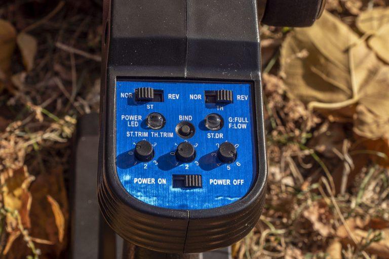 ZD Racing Thunder ZMT-10 távirányítós autó teszt 16