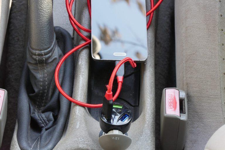 Háromportos szivargyújtós USB töltő 8