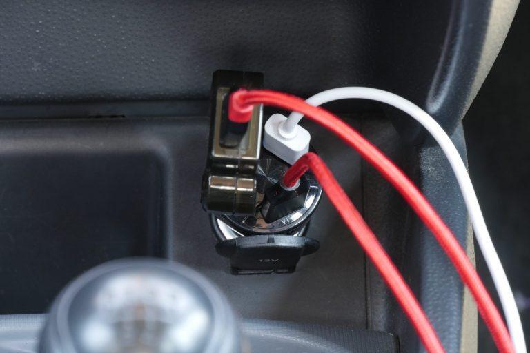 Háromportos szivargyújtós USB töltő 10