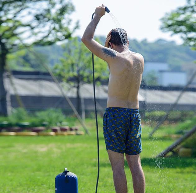 Hogyan zuhanyozzunk a nyaralóban? 12
