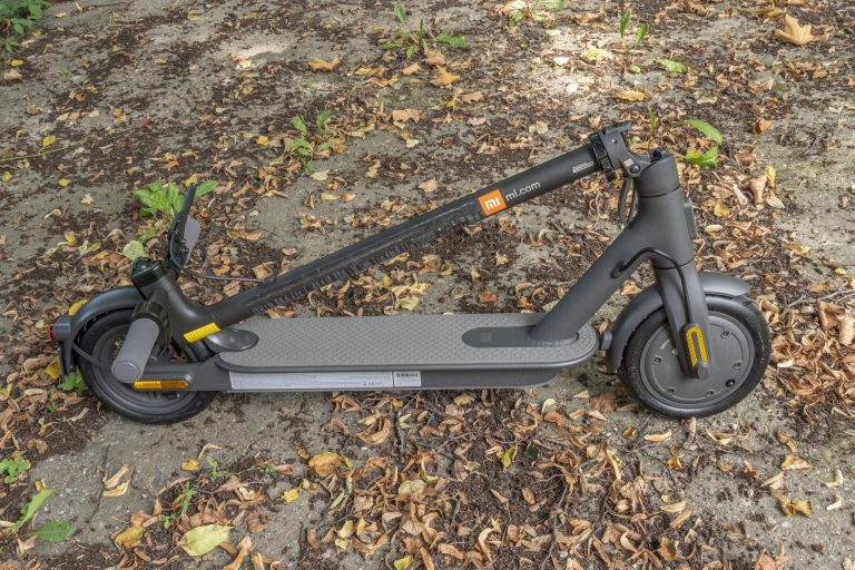 Xiaomi Mi Electric Scooter Essential roller teszt 2