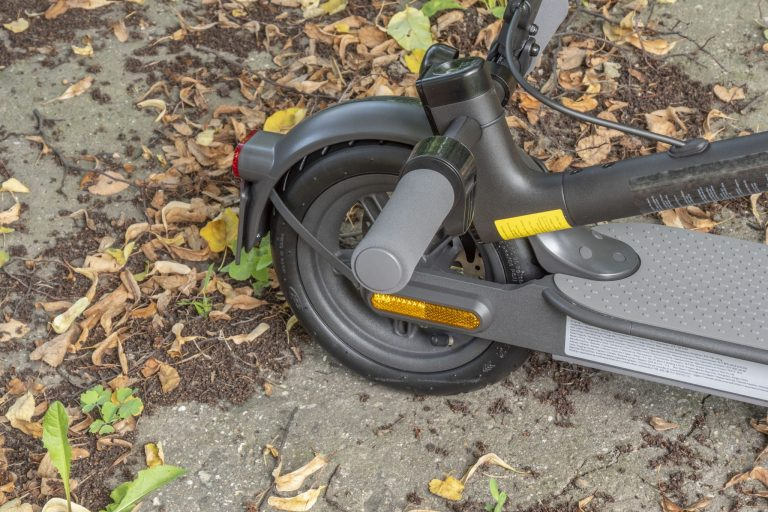 Xiaomi Mi Electric Scooter Essential roller teszt 4