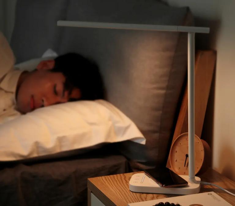 A Baseus asztali lámpájával világíthatunk és telefont is tölthetünk 5