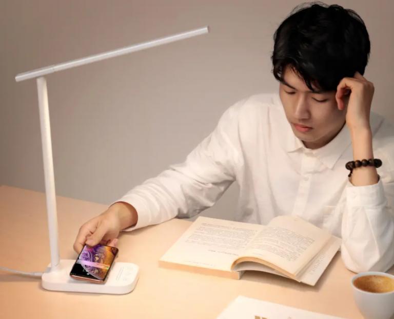 A Baseus asztali lámpájával világíthatunk és telefont is tölthetünk 3