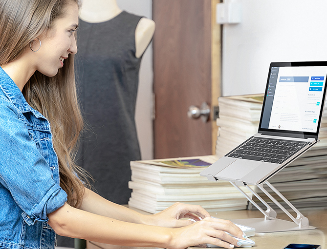 Zseniális laptop és tablet állványok a BlitzWolftól 10