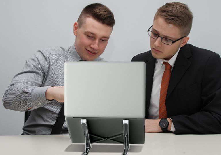Rekord alacsony áron mennek a BlitzWolf laptop állványok 5