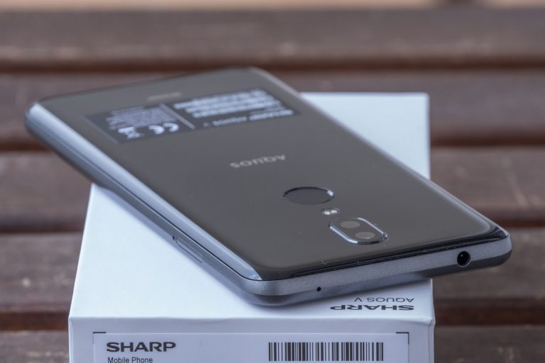 Sharp Aquos V okostelefon teszt 8