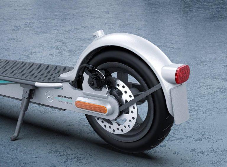 Xiaomi ft. Mercedes-AMG Petronas elektromos roller a piacon 8