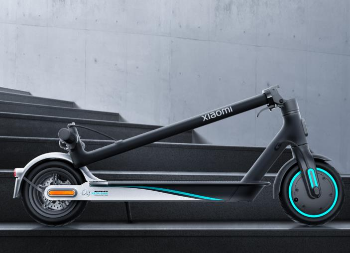 Xiaomi ft. Mercedes-AMG Petronas elektromos roller a piacon 3