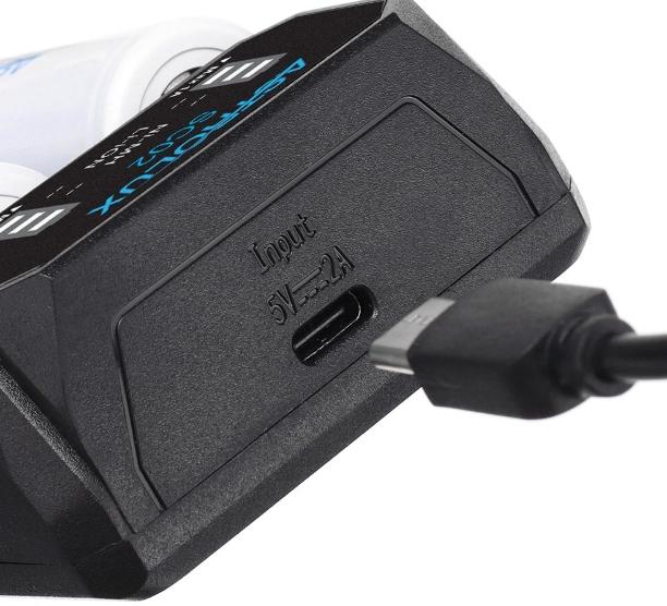 Szinte minden szabvány aksit tölthetünk az Astrolux SC02-vel 5