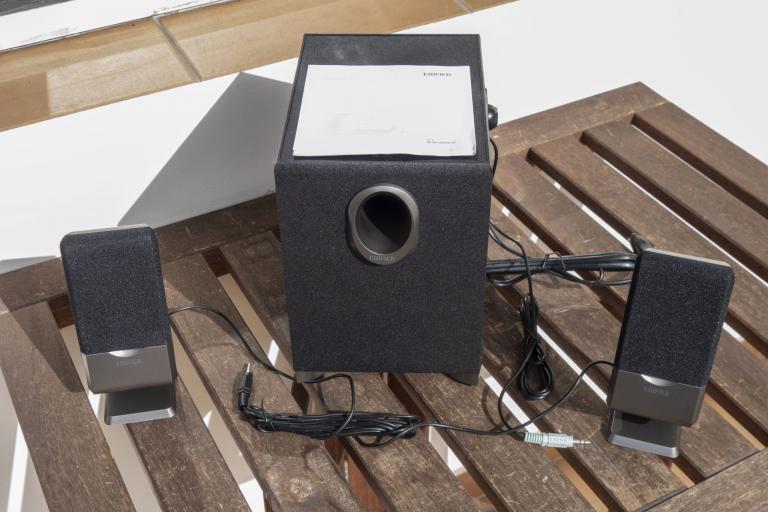 Edifier R101V 2.1-es hangfalszett teszt 3