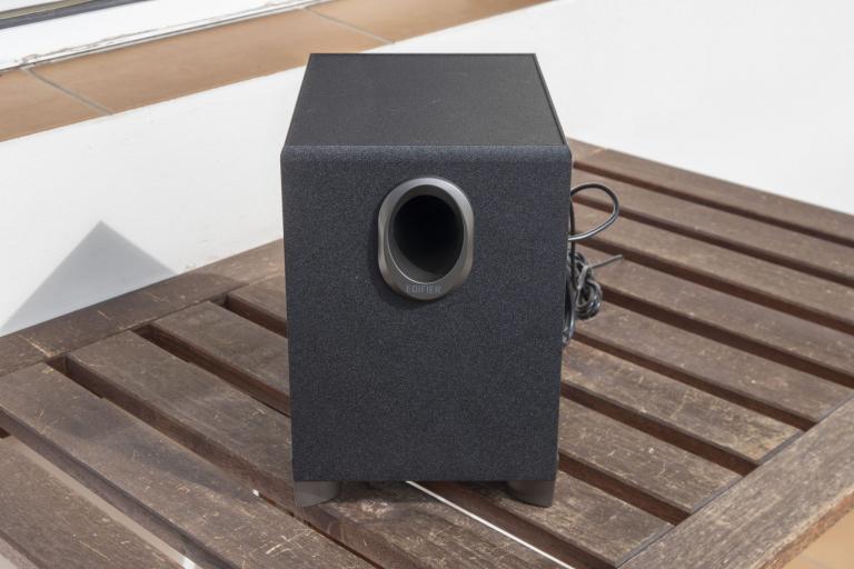 Edifier R101V 2.1-es hangfalszett teszt 8
