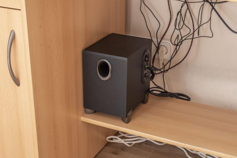Edifier R101V 2.1-es hangfalszett teszt 10