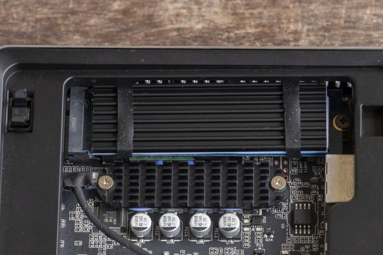 MinisForum EliteMini UM700 mini PC teszt 13